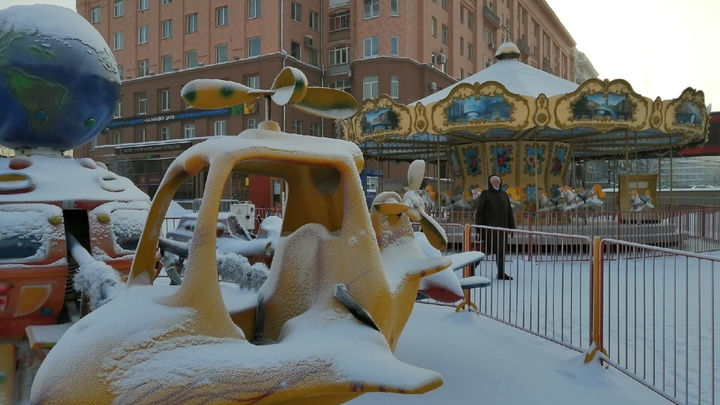 В Челябинске из-за морозов отменили занятия в школах с 1 по 7 класс