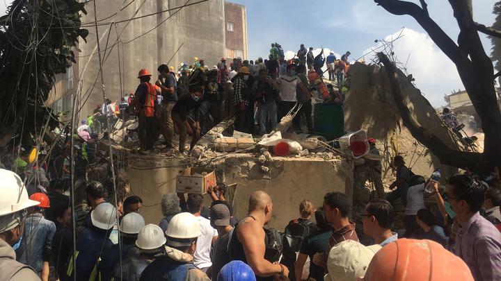 В Мексике объявлен траур по погибшим при землетрясении