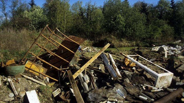 Свалка коммунальных отходов загорелась в кузбасском городе