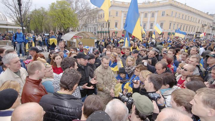Драки не получилось: Появилось видео, как Парасюка отогнали от главы Госохраны Украины