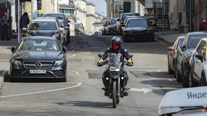 В Ростовской области на трассе М-4 Дон погиб мотоциклист