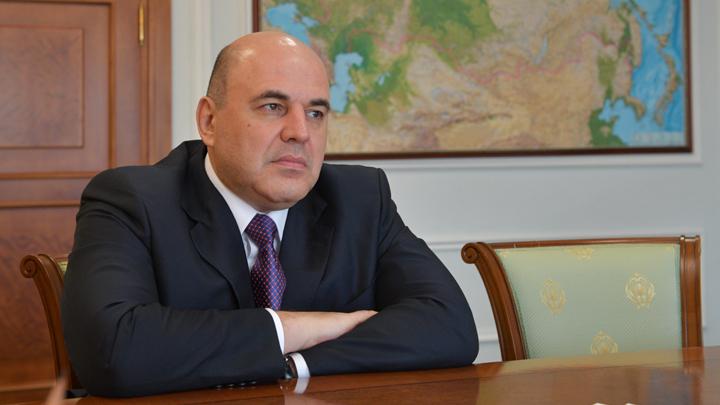 На Украине во власть пришёл смешной кавээнщик, а в России — серьёзный