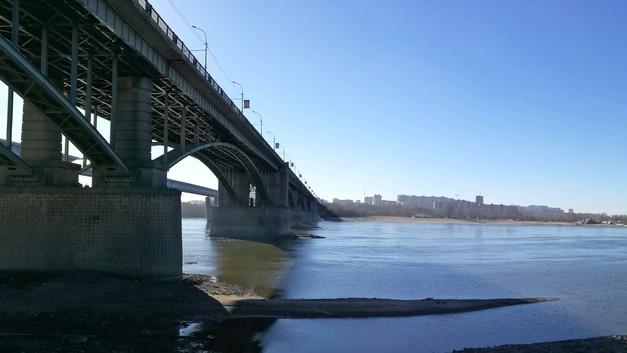 Реактивный самолёт пролетел под мостом в Новосибирске. Было ли это на самом деле?
