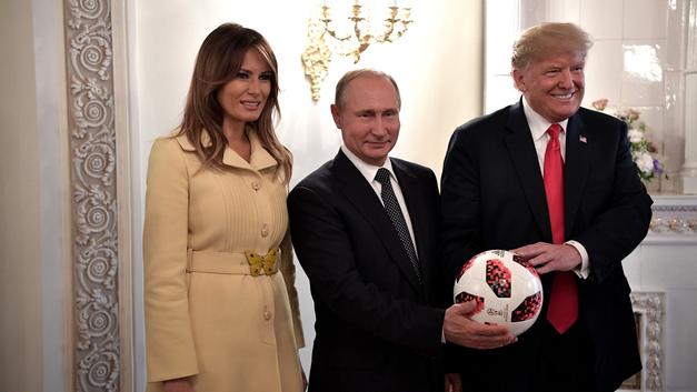 Представителя Белого дома вывело из себя упоминание о «мяче Путина»
