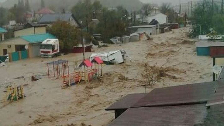 Потоп унес жизни людей, затоплены целые кварталы: Краснодарский край оказался в центре бедствия