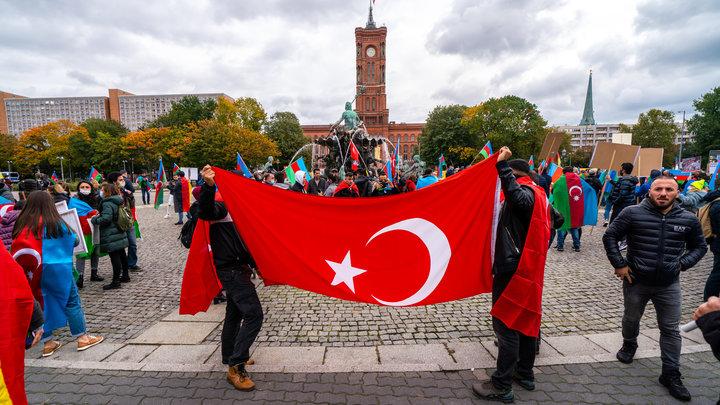 Турция не имеет прямого отношения к миротворцам? Как будет сохраняться мир в Карабахе
