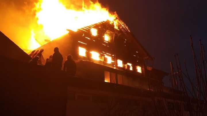 При пожаре в Новосибирске погибла пенсионерка и её сын