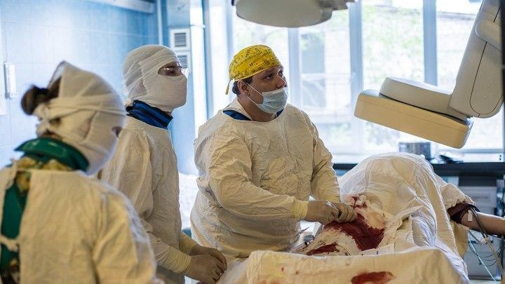 Читинские врачи провели уникальную операцию по удалению тромба из головы пациента