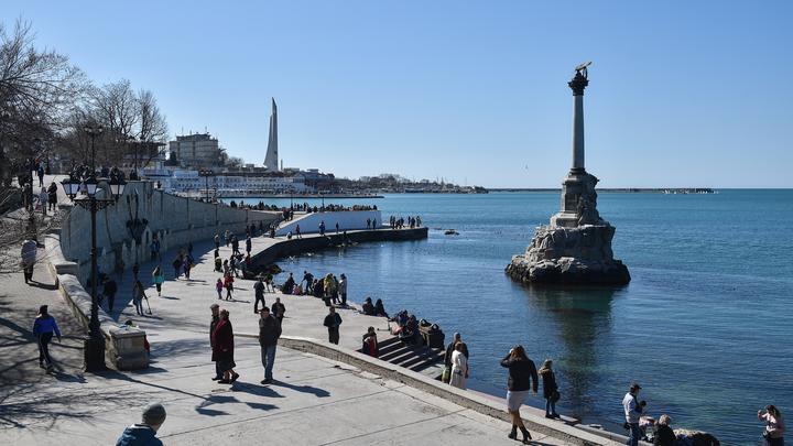 Глава ВТБ испугался санкций: Заходить банкам в Крым нет необходимости