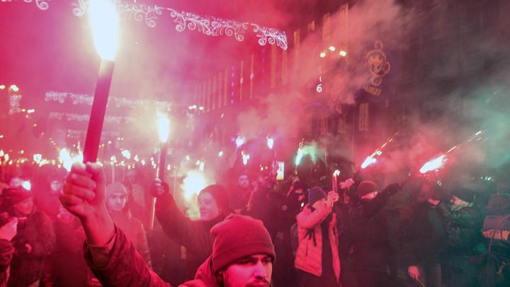Пусть земля горит у них под ногами: В Сети отреагировали на марш украинского порядка в центре Одессы