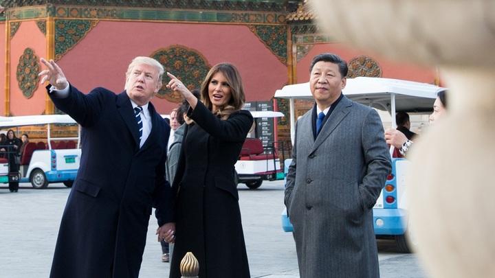 Трампу в Китае пришлось трижды поклониться перед разговором по делу