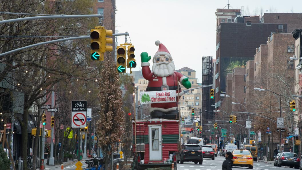 Мэр Нью-Йорка призвал городских жителей невыходить наулицу в-8°C