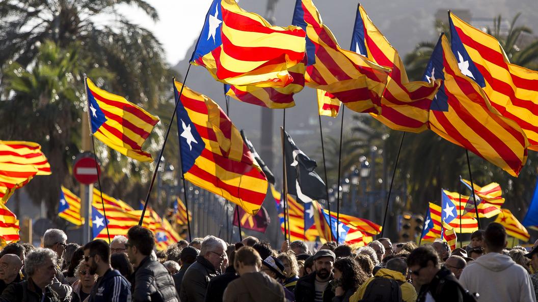 ВКаталонии около 100 человек пострадали впроцессе акций протеста