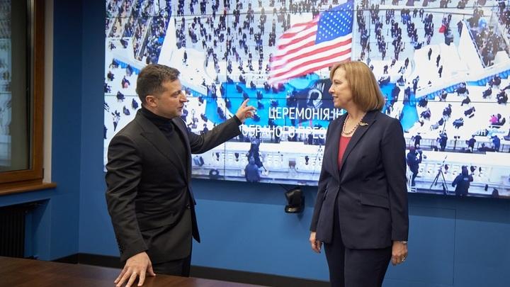 Как США заставят Зеленского пойти войной на Донбасс: Слабость главы Украины раскрыл Журавко
