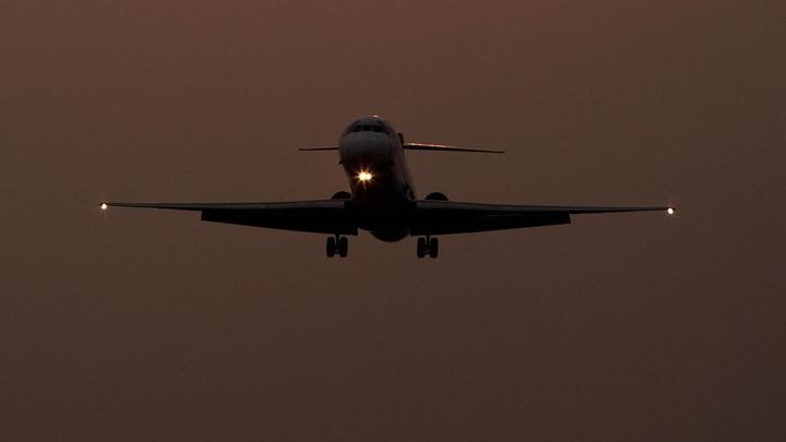 Пассажир рейса Сургут-Москва потребовал лететь вАфганистан