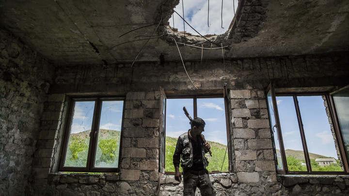 Армянам объясняли, что Россия не нужна: Раскрыта фабрика фейков по Карабаху