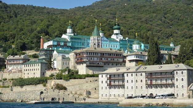 Священный Синод Русской Церкви может разрешить причащение верующих в Русском Свято-Пантелеимоновом монастыре на Афоне