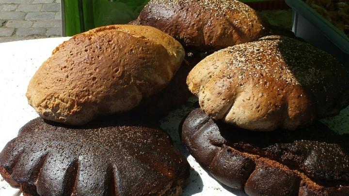 Слишком много хлеба, сахара и жира: Ученые об особенностях питания граждан РФ