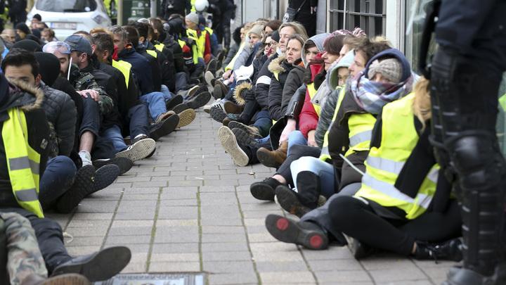 Руку Кремля еще не искали: В Литве 5-ю неделю бастуют учителя