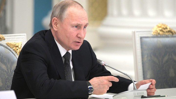 В отдельных случаях: Путин внёс законопроект о высших военных чинах