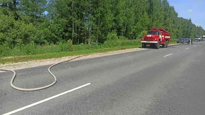 В Камешковском районе загорелся рейсовый автобус