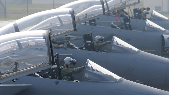 США в ответ на ракету КНДР отправили на разведку два бомбардировщика