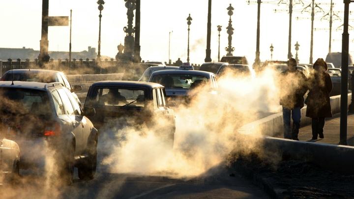 Ремонт «довел» трассу «Кола» в Ленинградской области до 20-километровой пробки