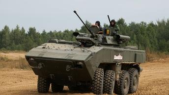 Долг зовет: Омских полковых священников научат управлять БТРом и использовать рации
