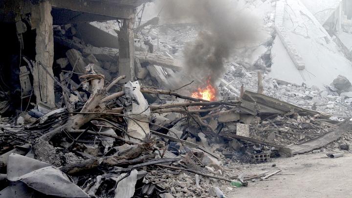 За крадущими бочки с хлором террористами в Сирии наблюдали с воздуха - видео