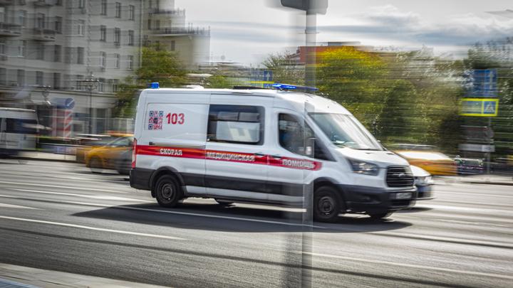 В Краснодаре из окна многоэтажки выпал подросток - Соцсети