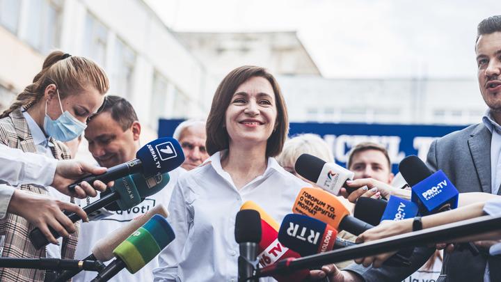 Мигранты сменили власть в Молдавии. Русским приготовиться? Метод Санду разоблачил политолог