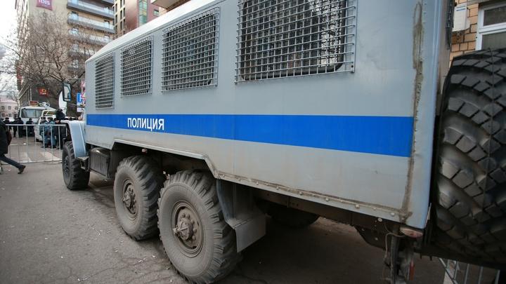 Автозак с заключённым перевернулся в Новосибирской области
