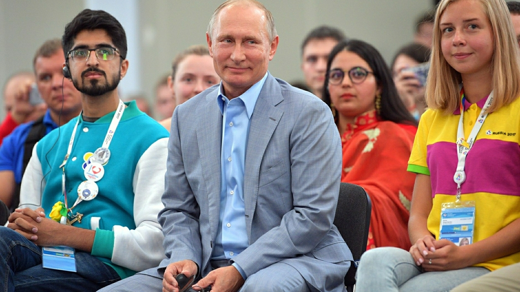 Штаб В.Путина собрал 408 тыс. подписей: больше, чем требует закон