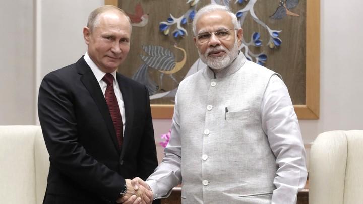 Путин и Моди отметили подписание контракта по С-400 арбузным супом под «Калинку-малинку»