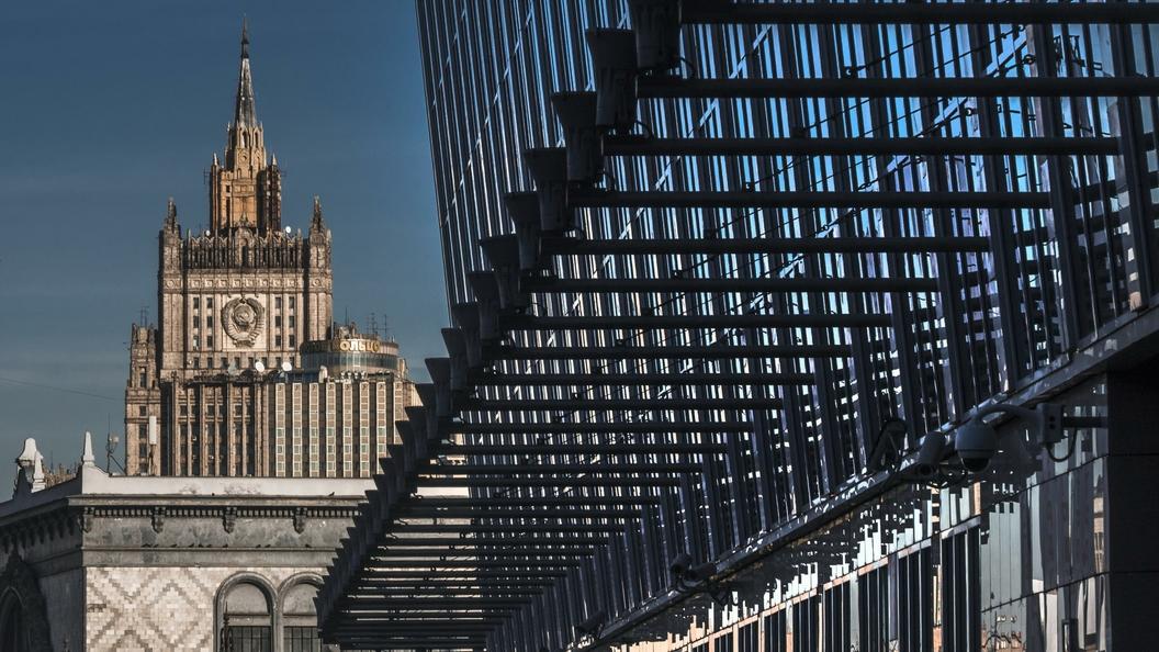 Дипломатам США в России поставили в пример шустрых сотрудников консульств Италии и Испании