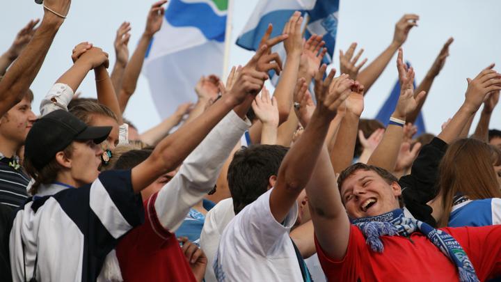 Гендиректор ФК Новосибирск извинился за обматерившего фанатов пресс-секретаря клуба