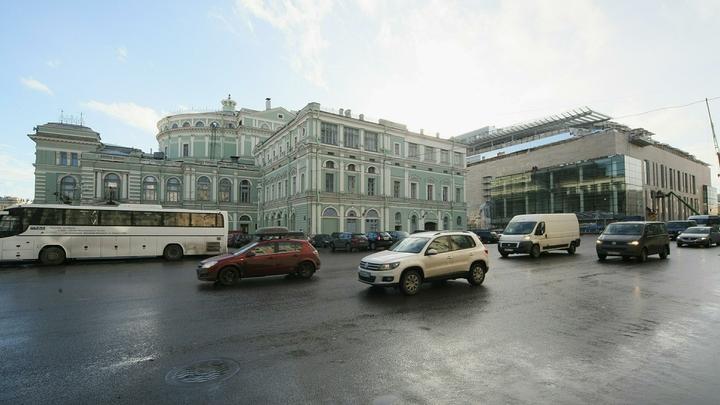 Неизвестный угрожал взорвать Мариинский театр и облить артистов кислотой
