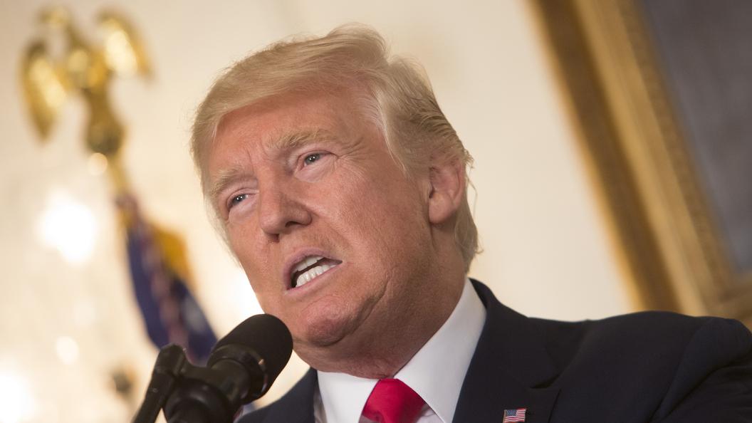 Беспорядки в Шарлотсвилле лишили Трампа еще одного союзника