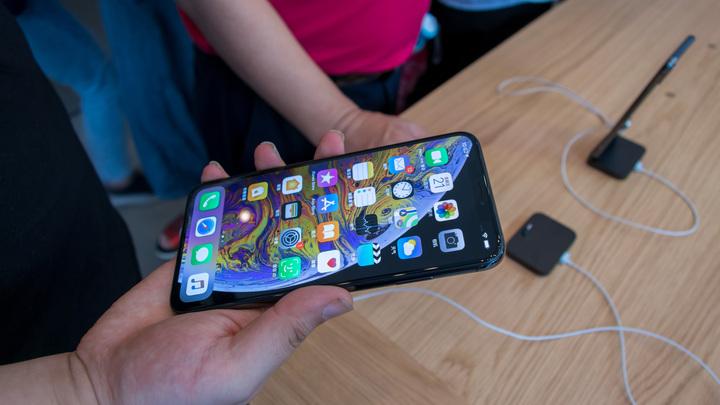Ретейлеры не исключили дефицита новых iPhone в первый день продаж