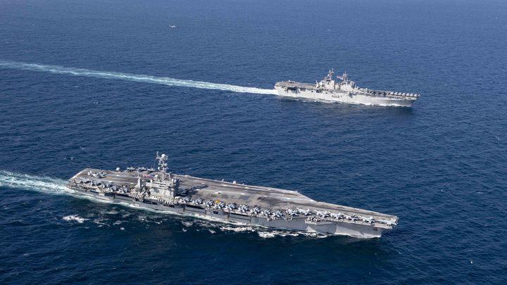 Иран оказал ракетный приём появившемуся в Персидском заливе авианосцу ВМС США
