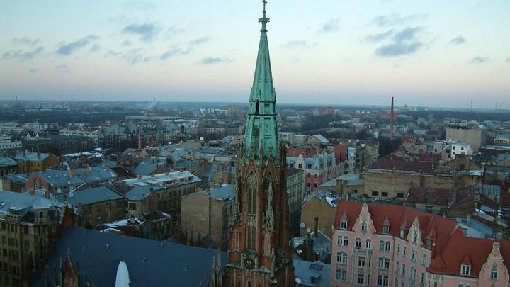 10 евро за 5 минут: Русский язык в Латвии хотят сделать платным