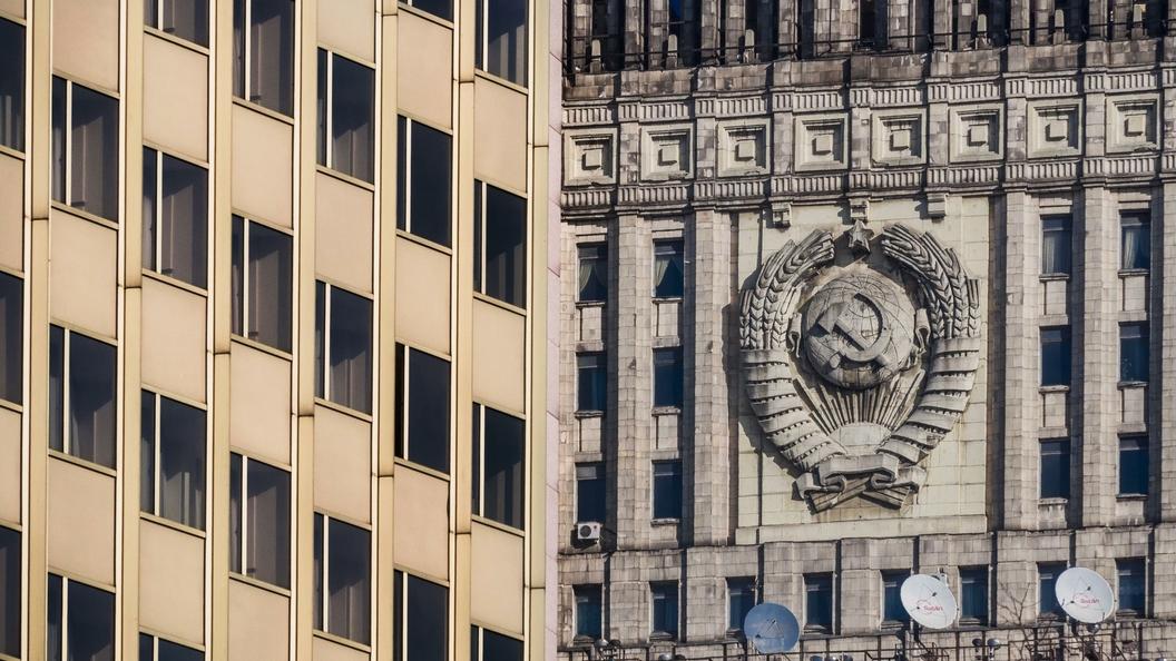 На память героев упала тень: МИД РФ осудил осквернение мемориала в Казахстане