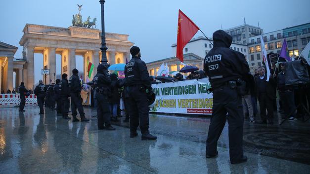 Турция объяснила Германии, как ей нужно защищать мусульман