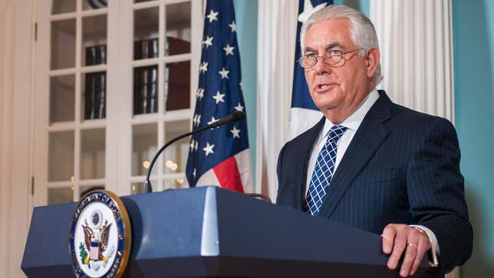 Тиллерсон: США и Япония не желают милитаризации Южно-Китайского моря