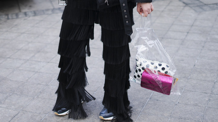 Кхм... модники - в соцсетях посмеялись над народными костюмами Mercedes-Benz Fashion Week Russia