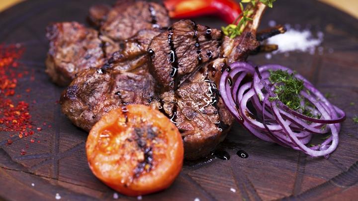 Сделать жирную еду менее вредной? Учёные назвали простой способ