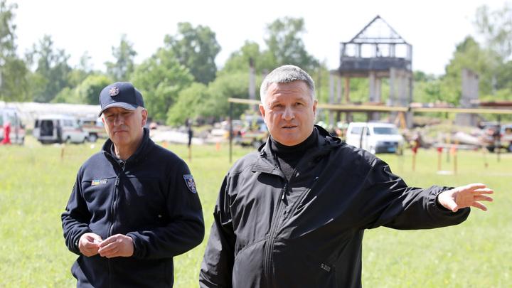 Аваков подал в отставку через сутки после встречи с послом США, сообщают в Раде