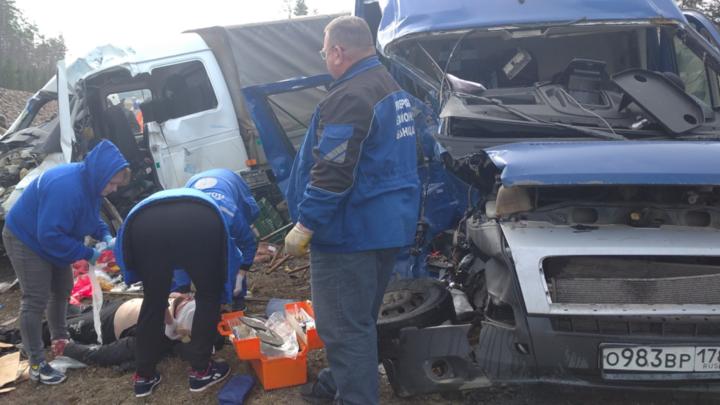 В ГИБДД назвали предполагаемые причины смертельного ДТП на трассе Петербург — Сортавала