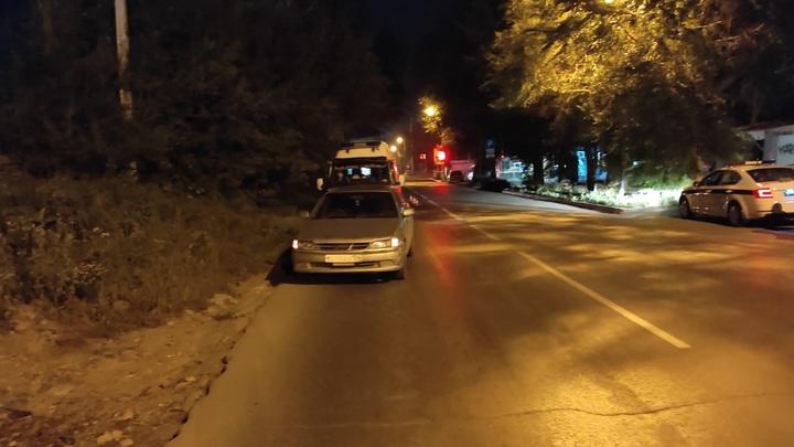Водитель легковушки насмерть сбил мужчину в Дзержинском районе Новосибирска