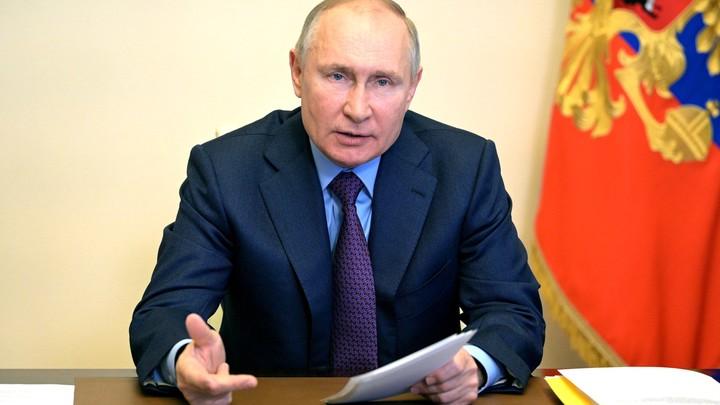 Зарабатывал, но не тратил: Декларация раскрыла доходы Владимира Путина